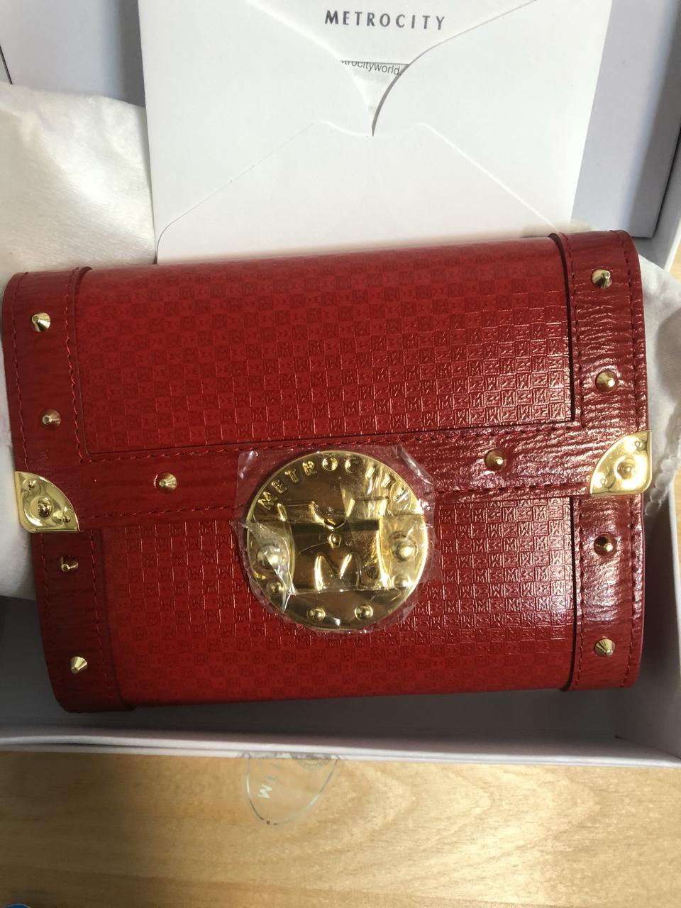 (정품)메트로시티 빨간 중지갑 카드수납 17개 새상품