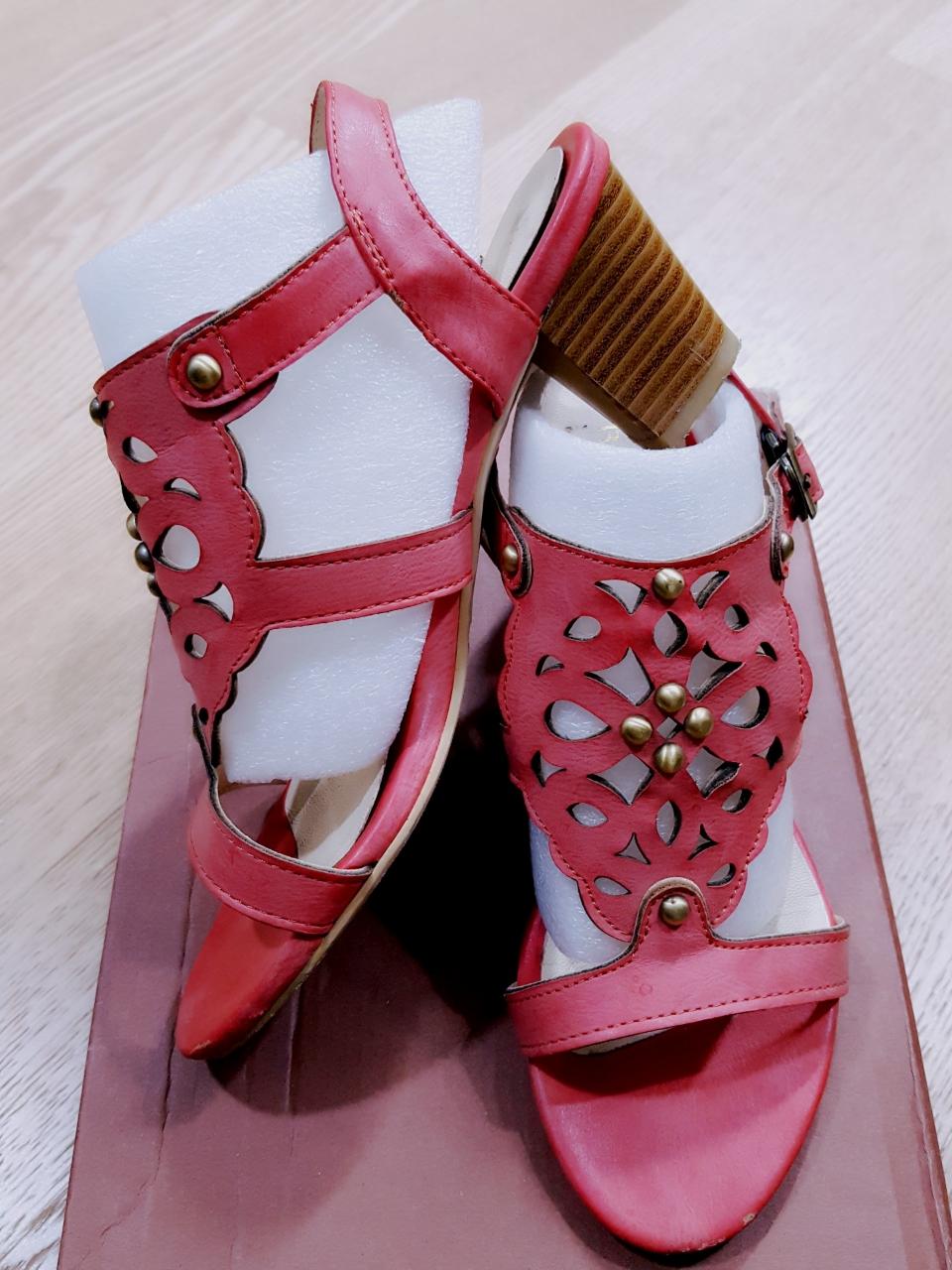 [나눔] 신발장 정리로 여름 신발 나눔해요~^^~