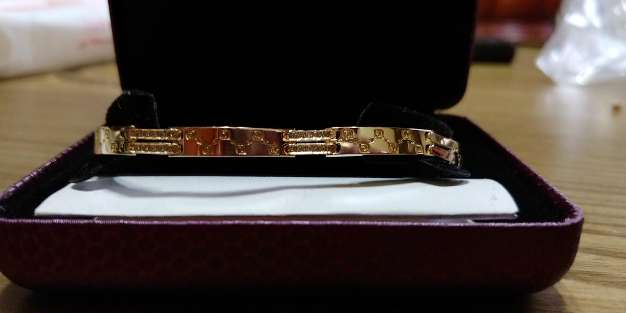 (새상품)여성 금팔찌18k 4돈 67만원(가격내림)
