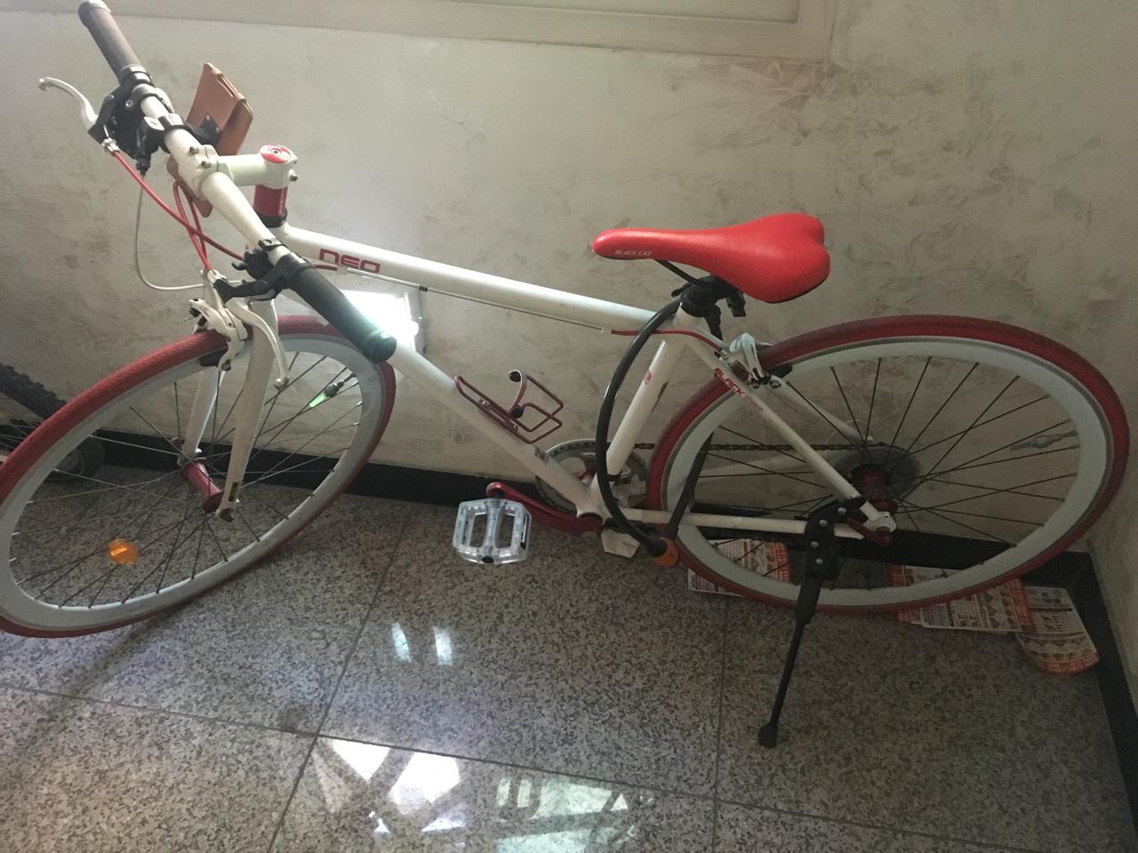블랙켓네오 하이브리드자전거 팔아용