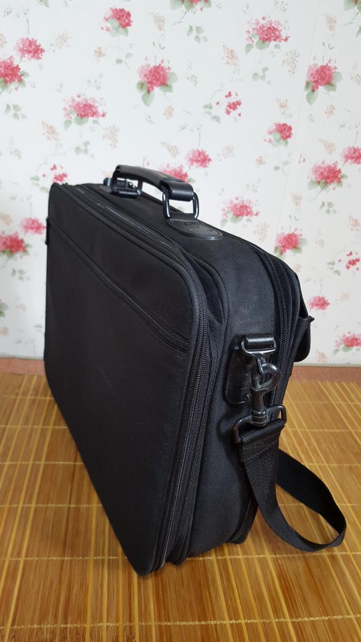 출장및. 서류가방