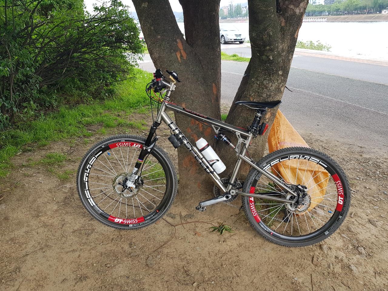 티탄mtb자전거