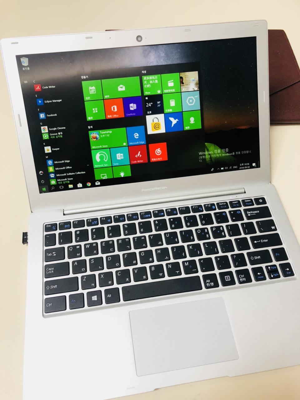 13인지 얇은 노트북 출장나 학습용 좋습니다