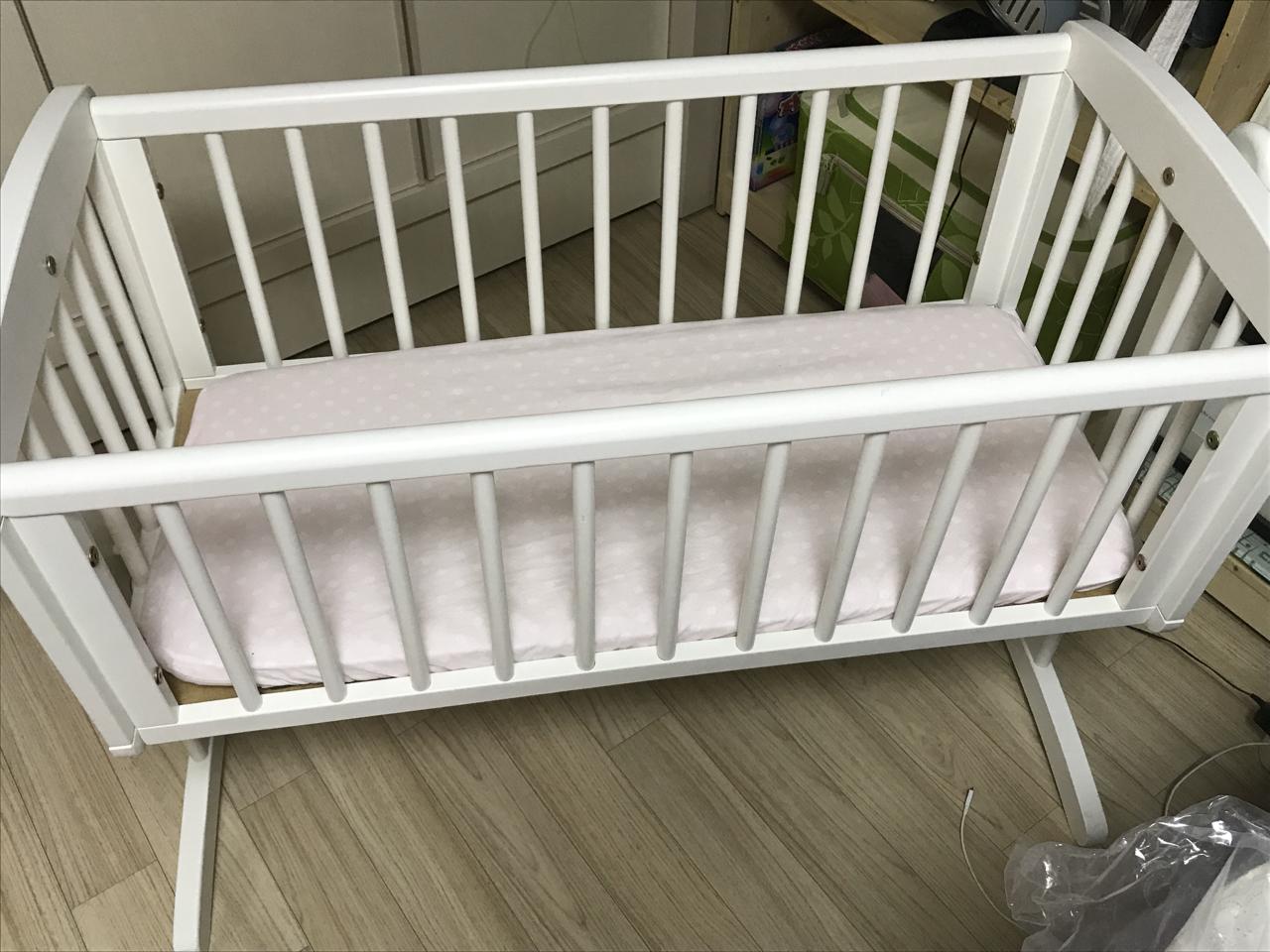 아기침대 흔들침대 판매합니다~
