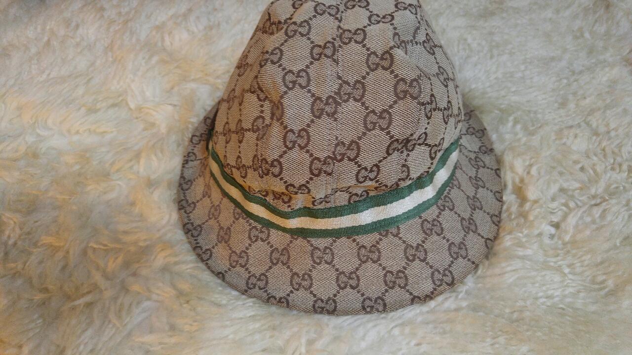구찌 모자 캐시미어,....함유,,,따뜻해요