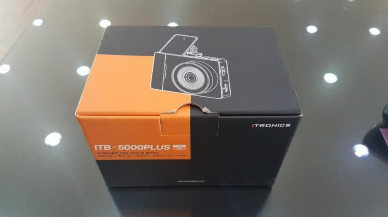 아이트로닉스 ITB-5000 플러스 2채널 블랙박스 16기가 새상품입니다.