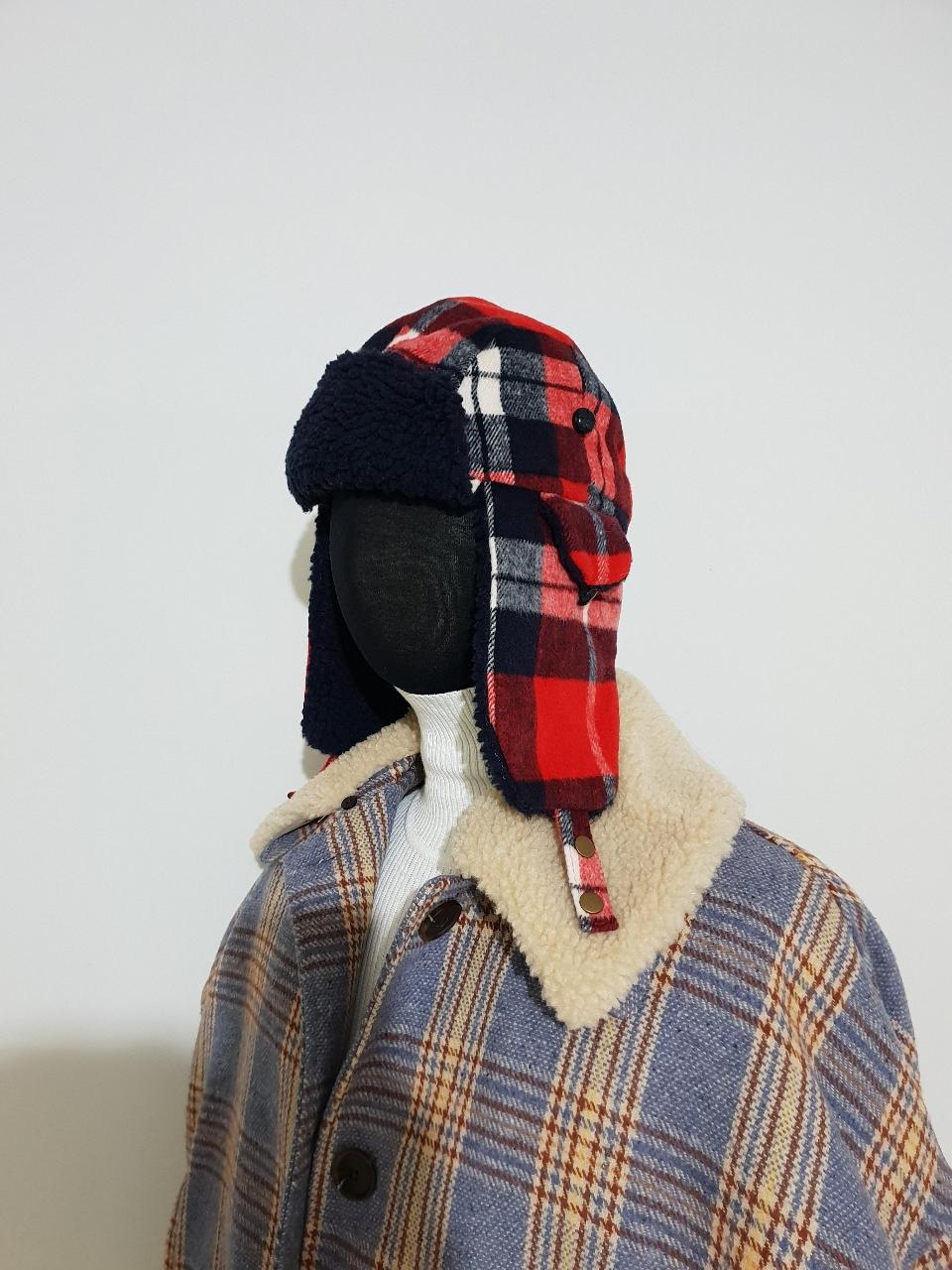 zara  헌터 양털 모자입니다