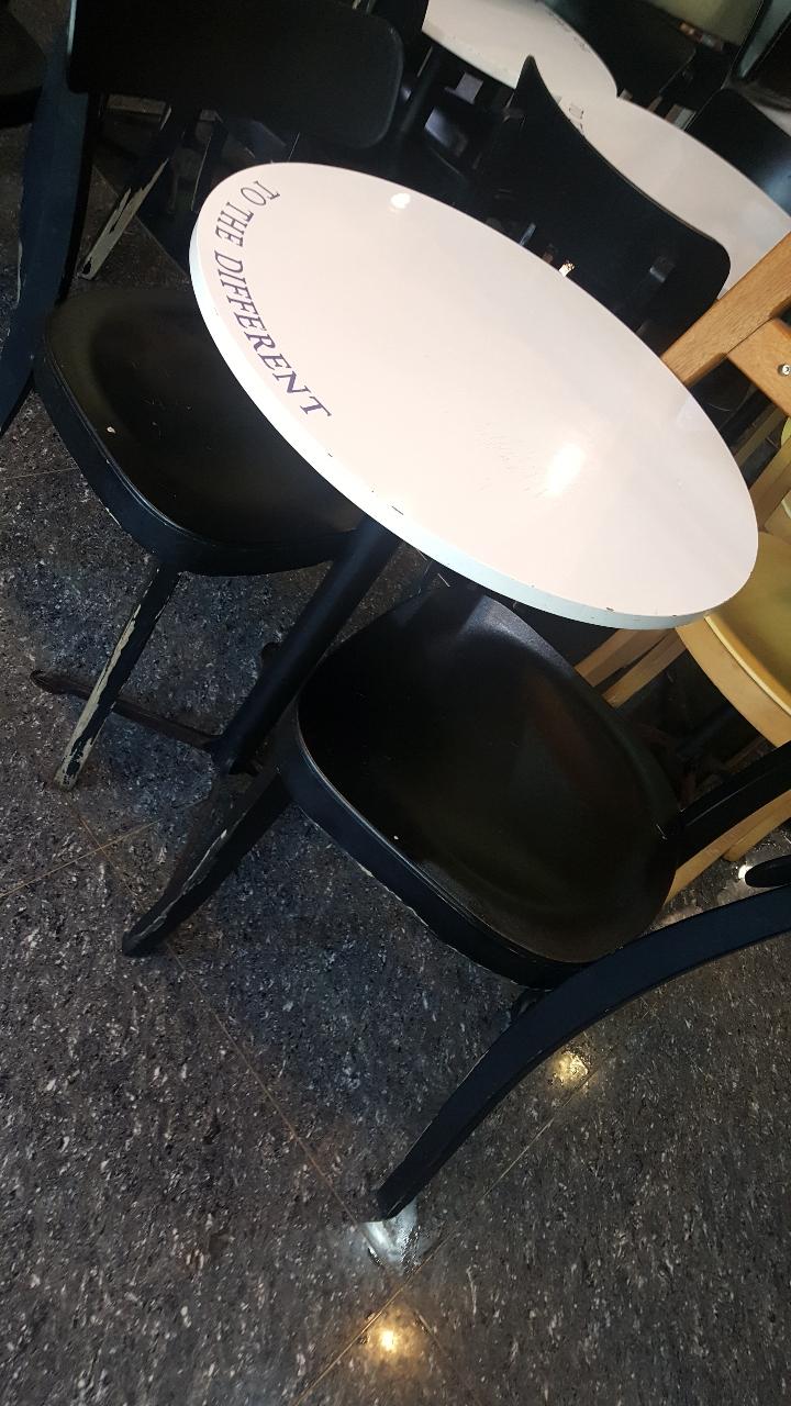 원형 카페 테이블 싸게 드려요