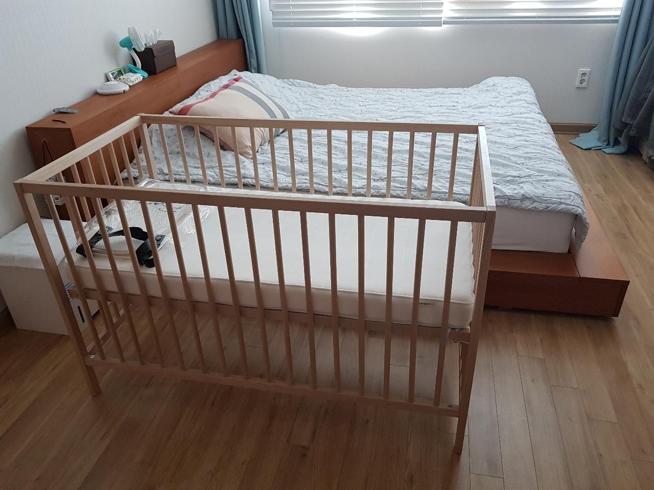 이케아 아기침대+침대가드