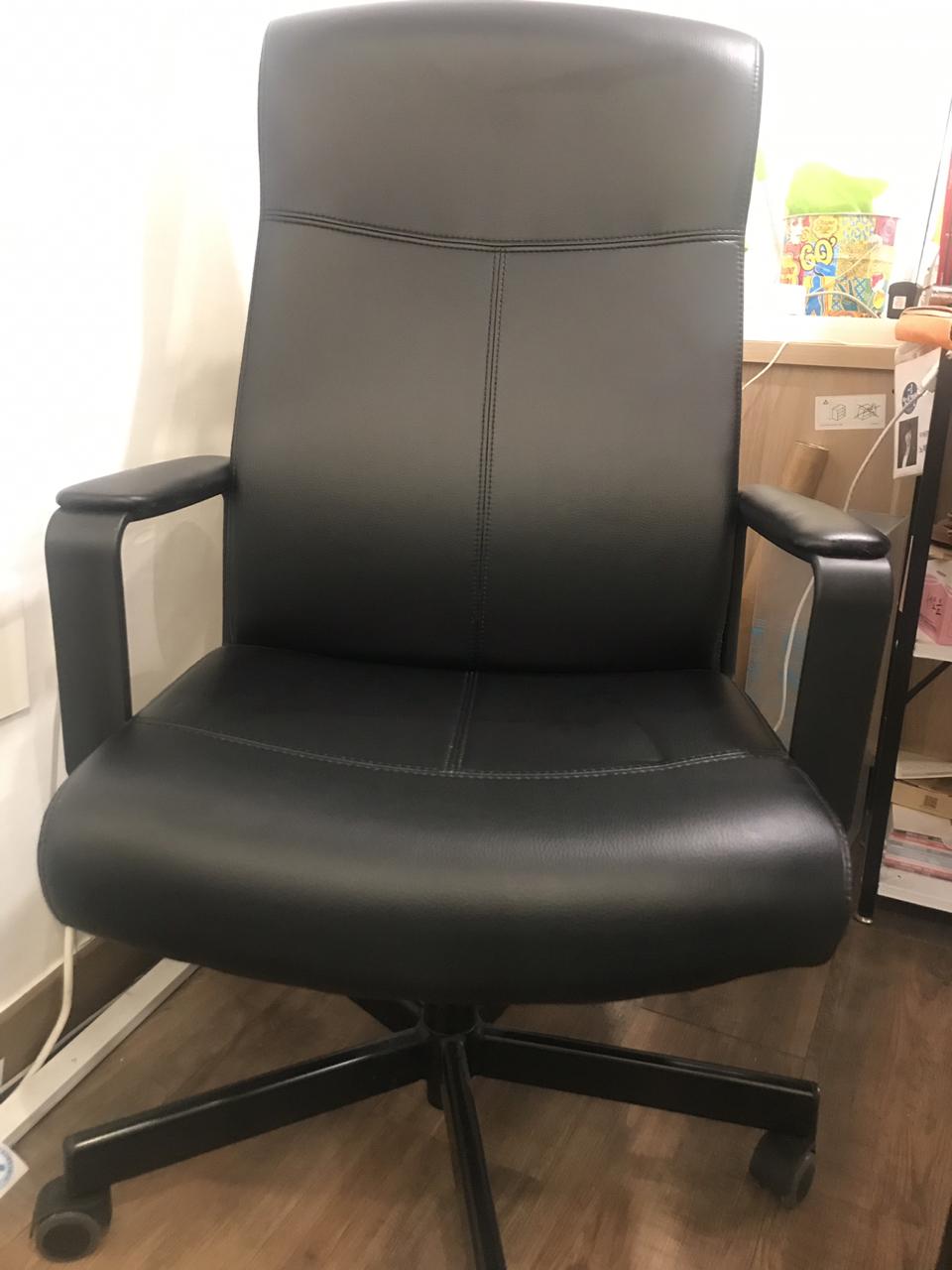 사무실용 의자 내놔요(이케아 밀베리에트)