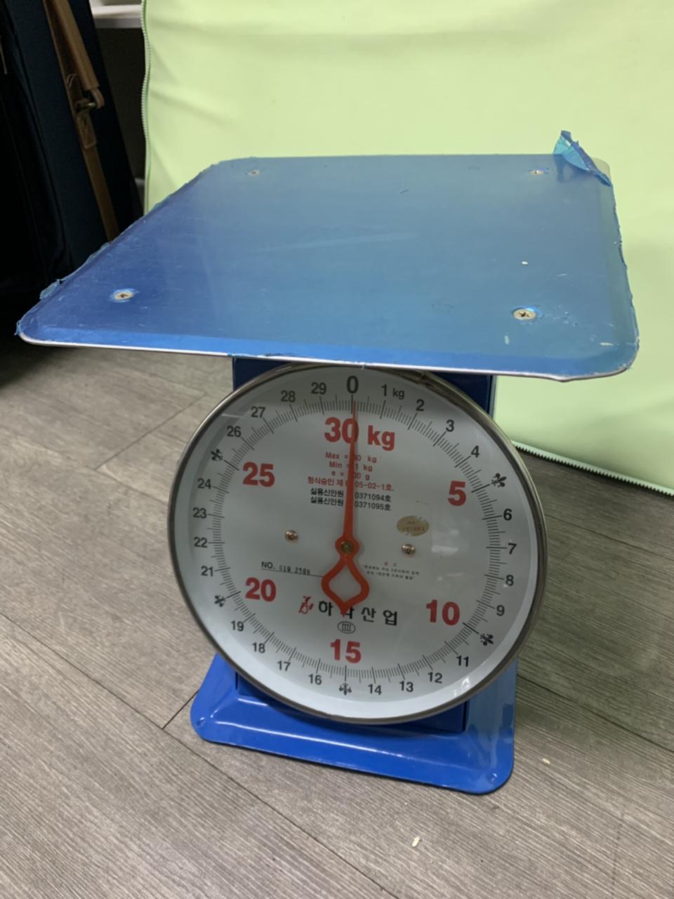 거의 새제품 계량저울팝니다. 30kg