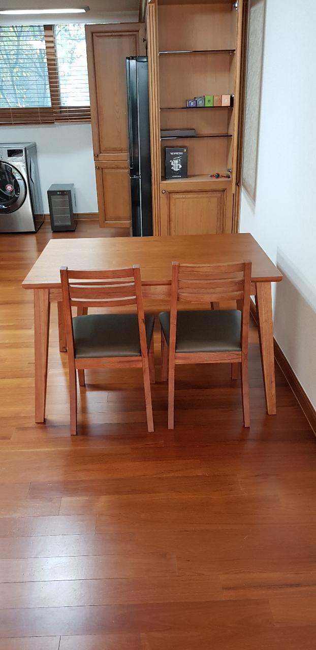 까사미아 4인 식탁세트