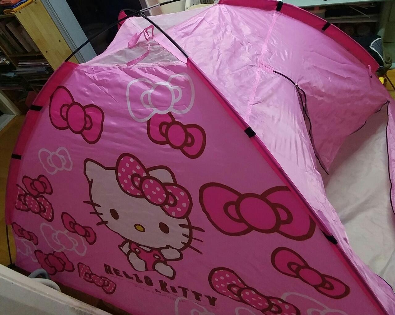 헬로키티 2인용 텐트 팝니다