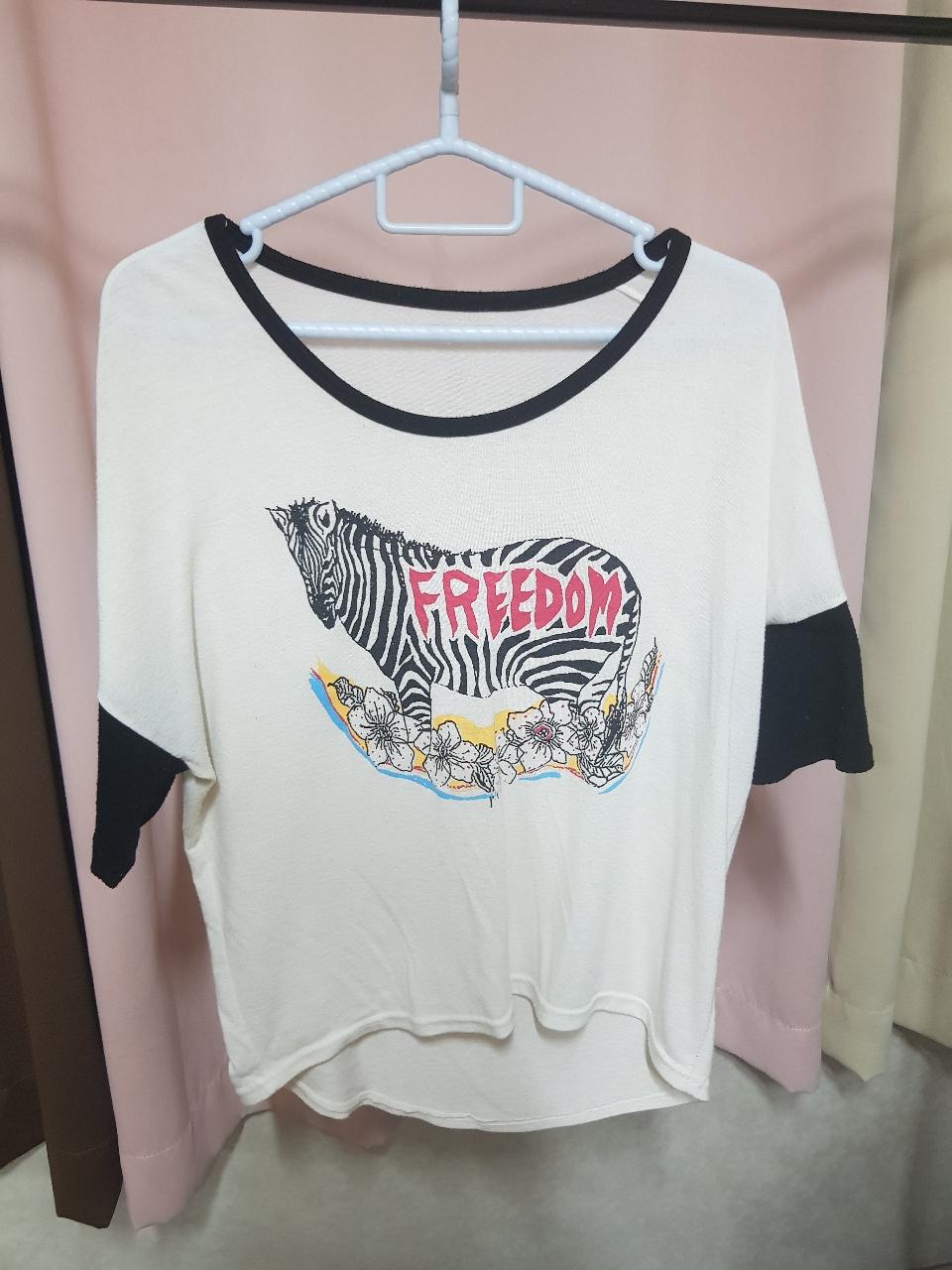 티셔츠.블라우스