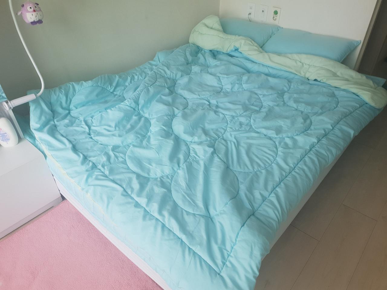퀸사이즈 침대 판매합니다.