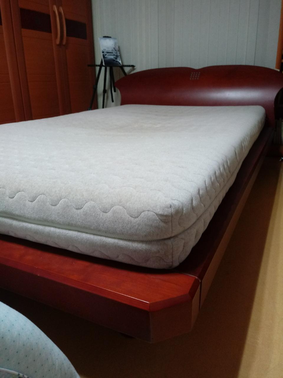 원목 침대(매트리스 포함)