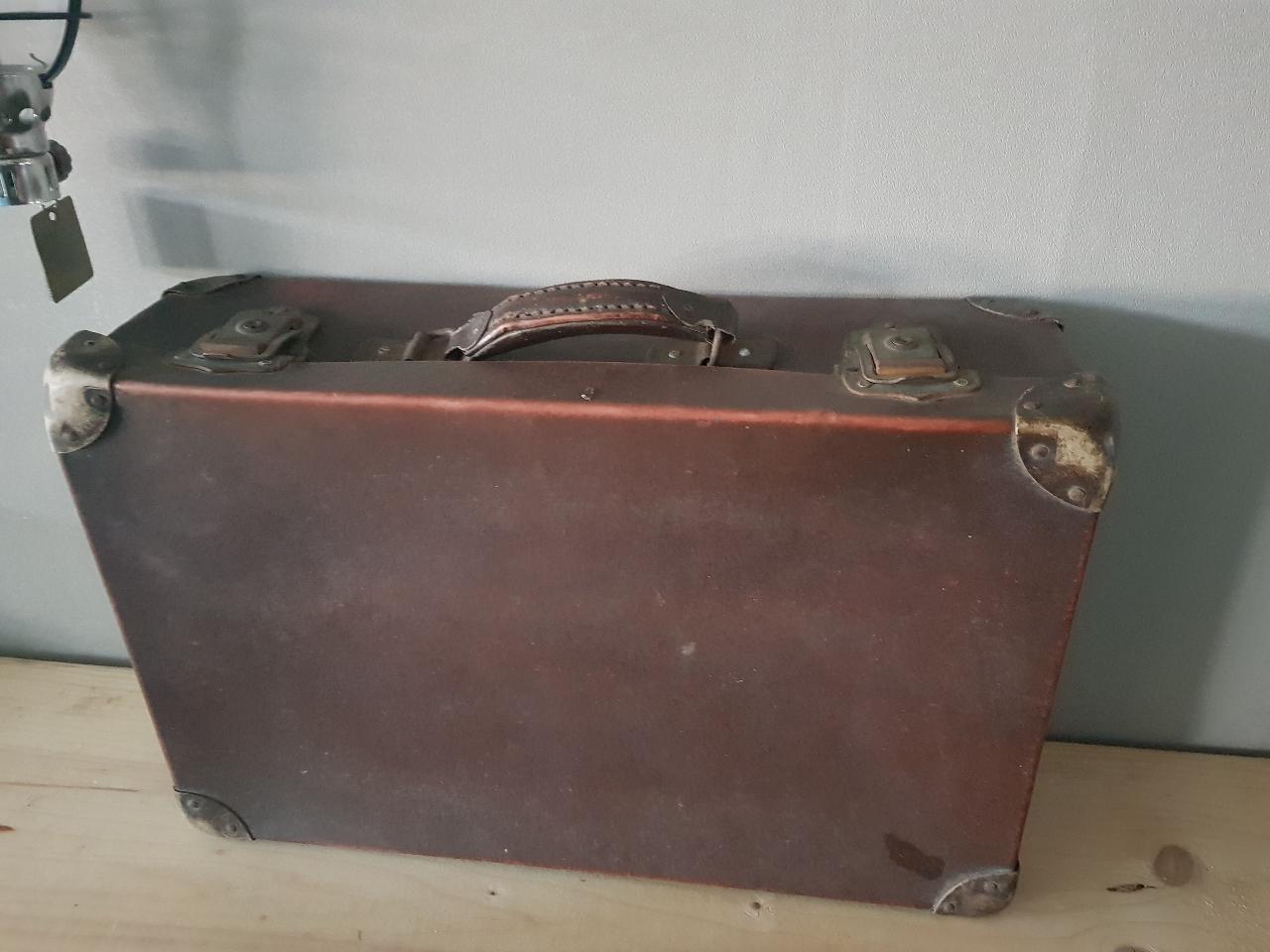 인테리어용 옛 가방 팝니다