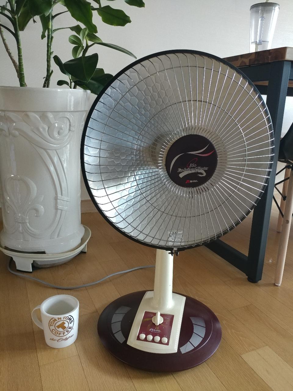 선풍기형 전기난로 전기히터 난방기