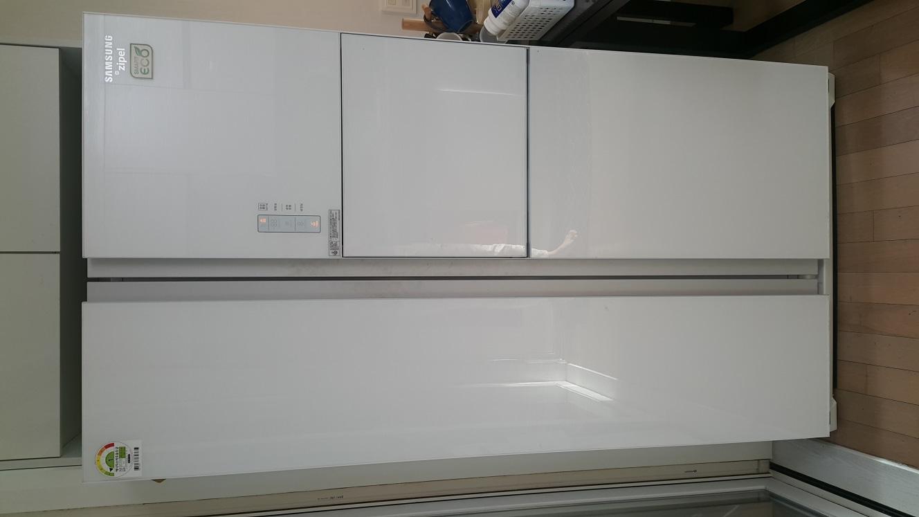 지펠 냉장고 SRT76HWLAB입니다.