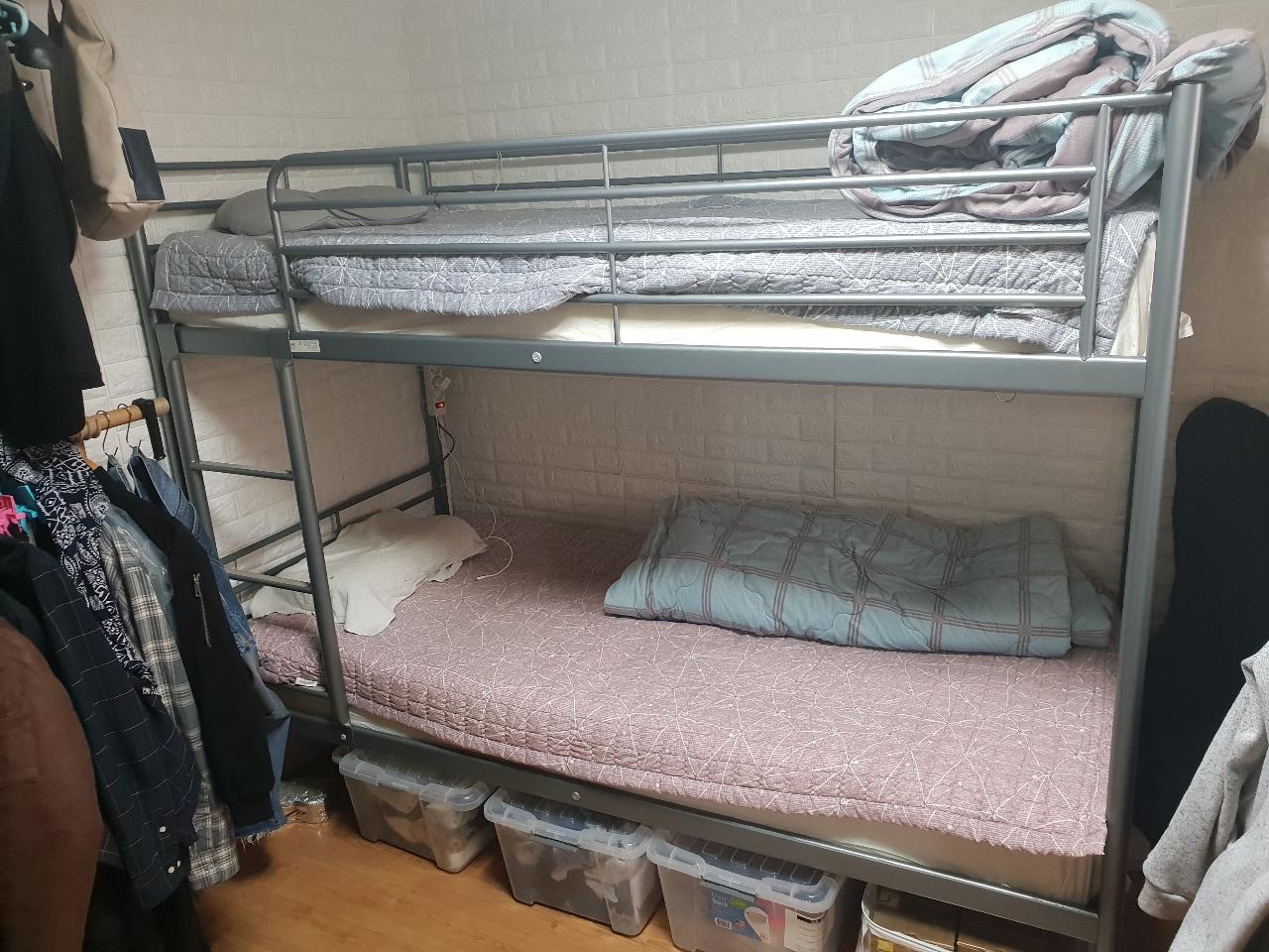 이케아 2층 침대 메트리스 포함 팝니다