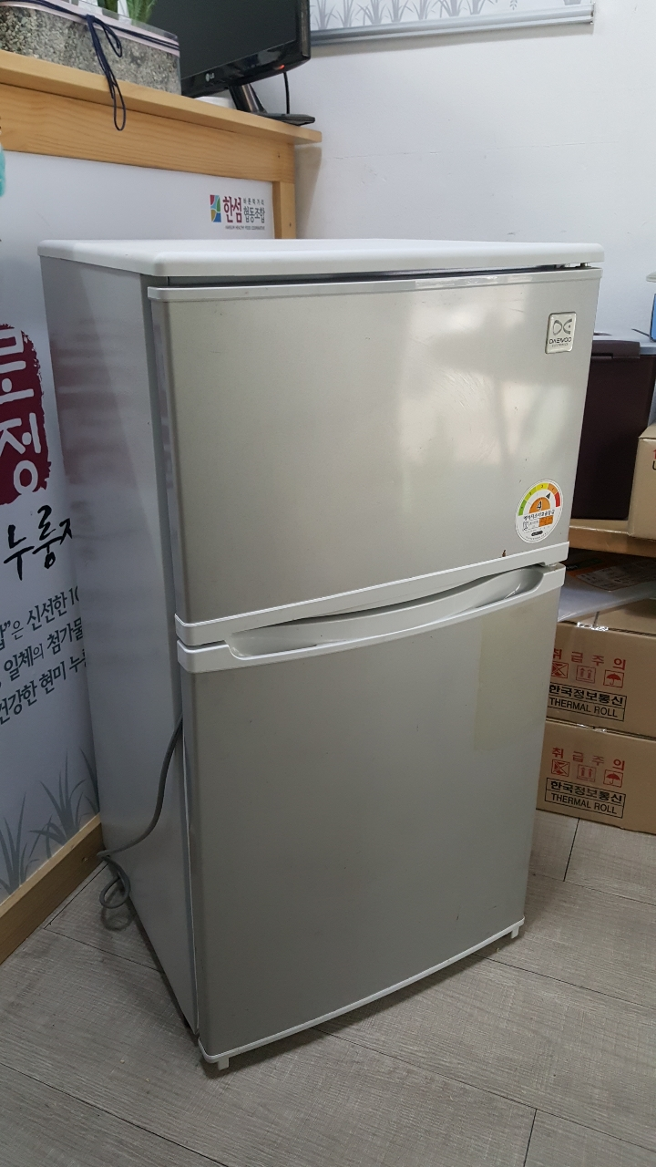 냉장고 85L 팝니다