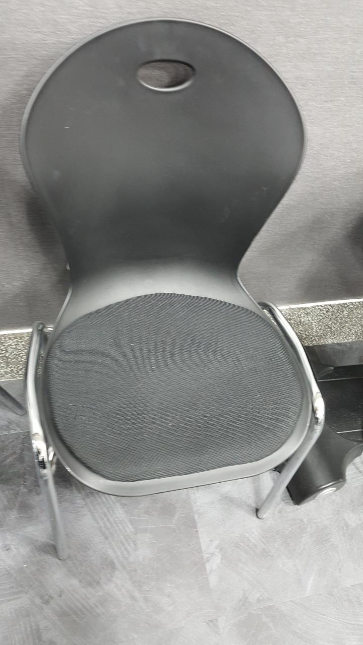 의자 팔아요 (나무의자 3개. 강의용의자 3개)