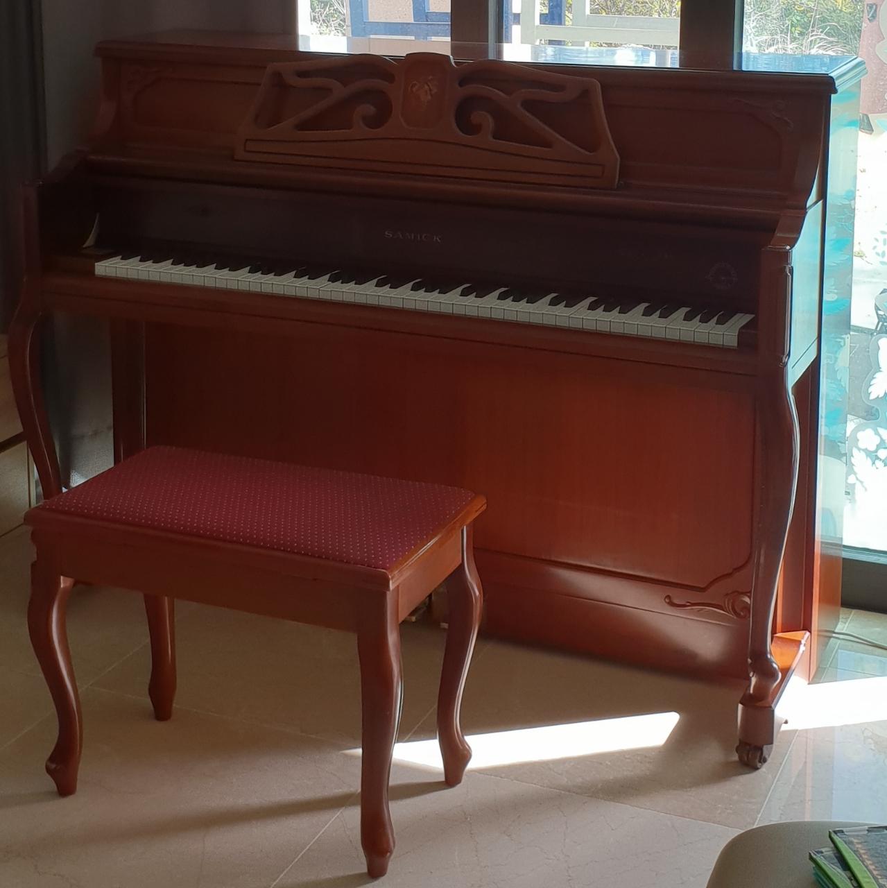 피아노(택배비 불포함50)리클라이너 3인소파.1인용소파(택배비 불포함 80)