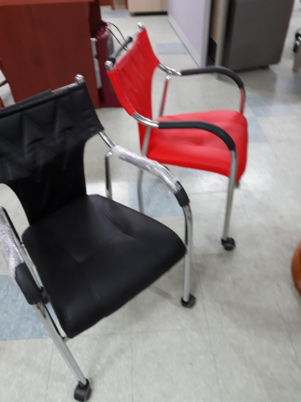 의자   바퀴달린  새의자