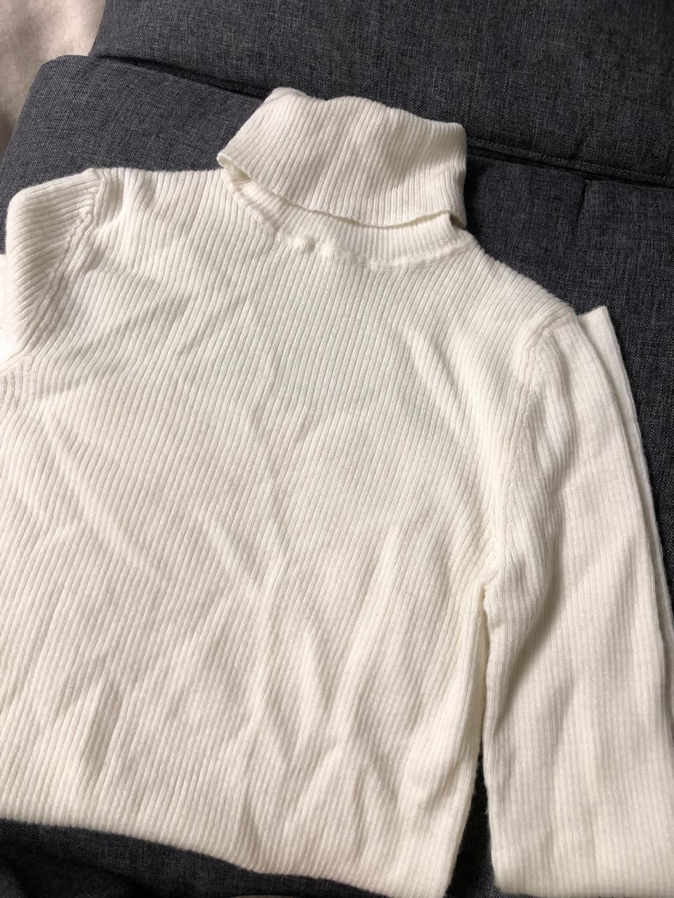 한번 입은 유니클로 립 터틀넥 스웨터 M