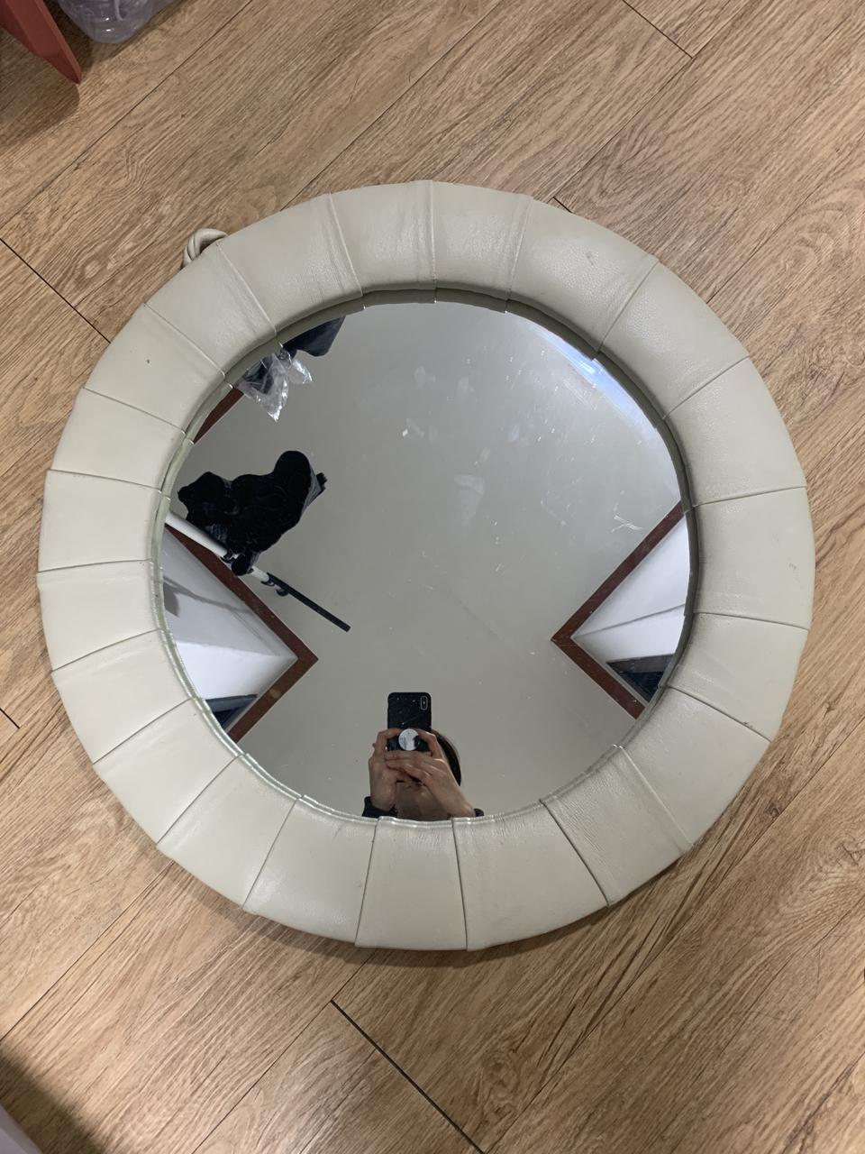 인테리어 포인트용 거울 팔아요.