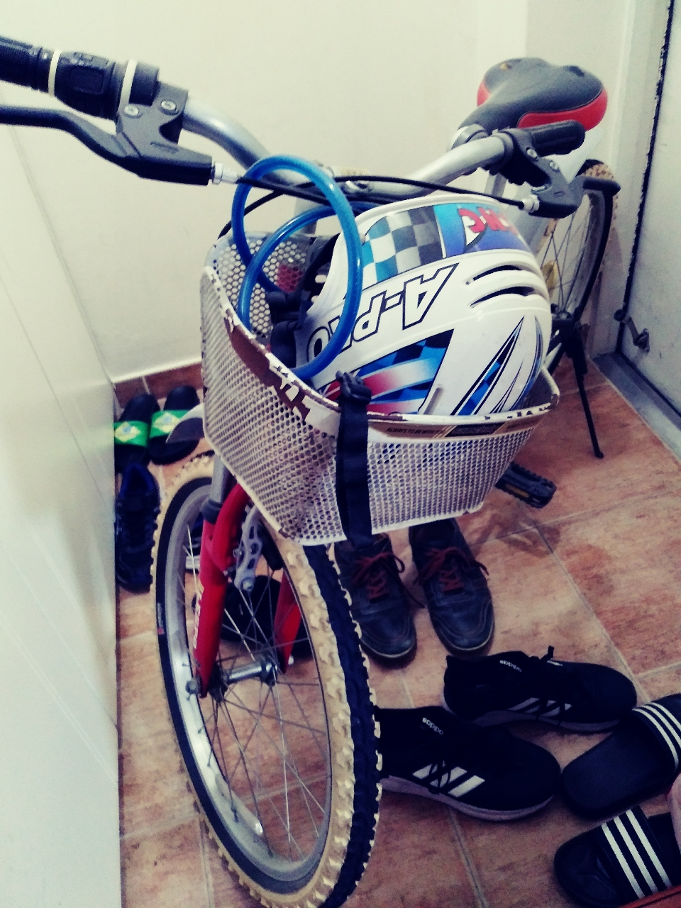 자전거 초2~~ 키130정도이면 잘 탈수있을 듯 합니다