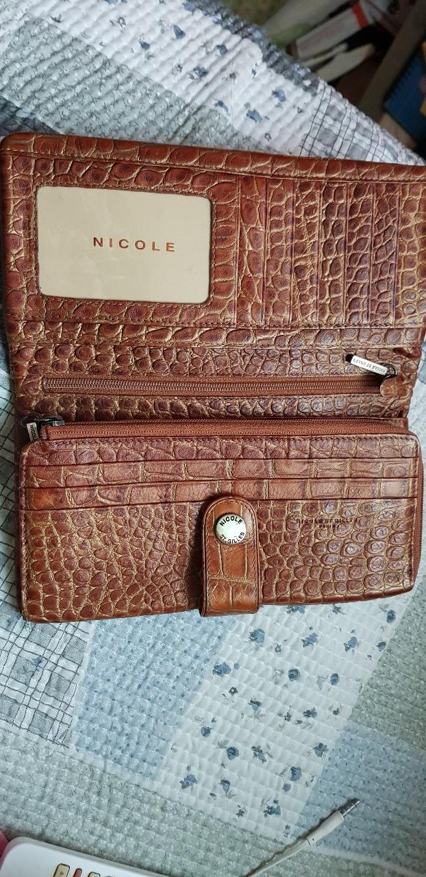 니콜 장지갑 황금빛브라운장지갑 깨끗한상태 스크레치없음