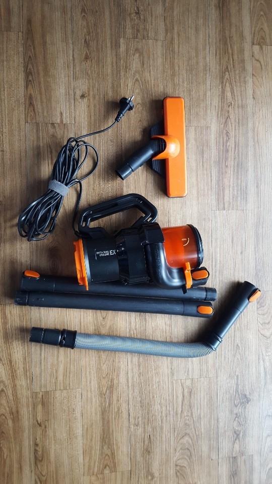 청소기(Twinbird TB-Q251 청소기)