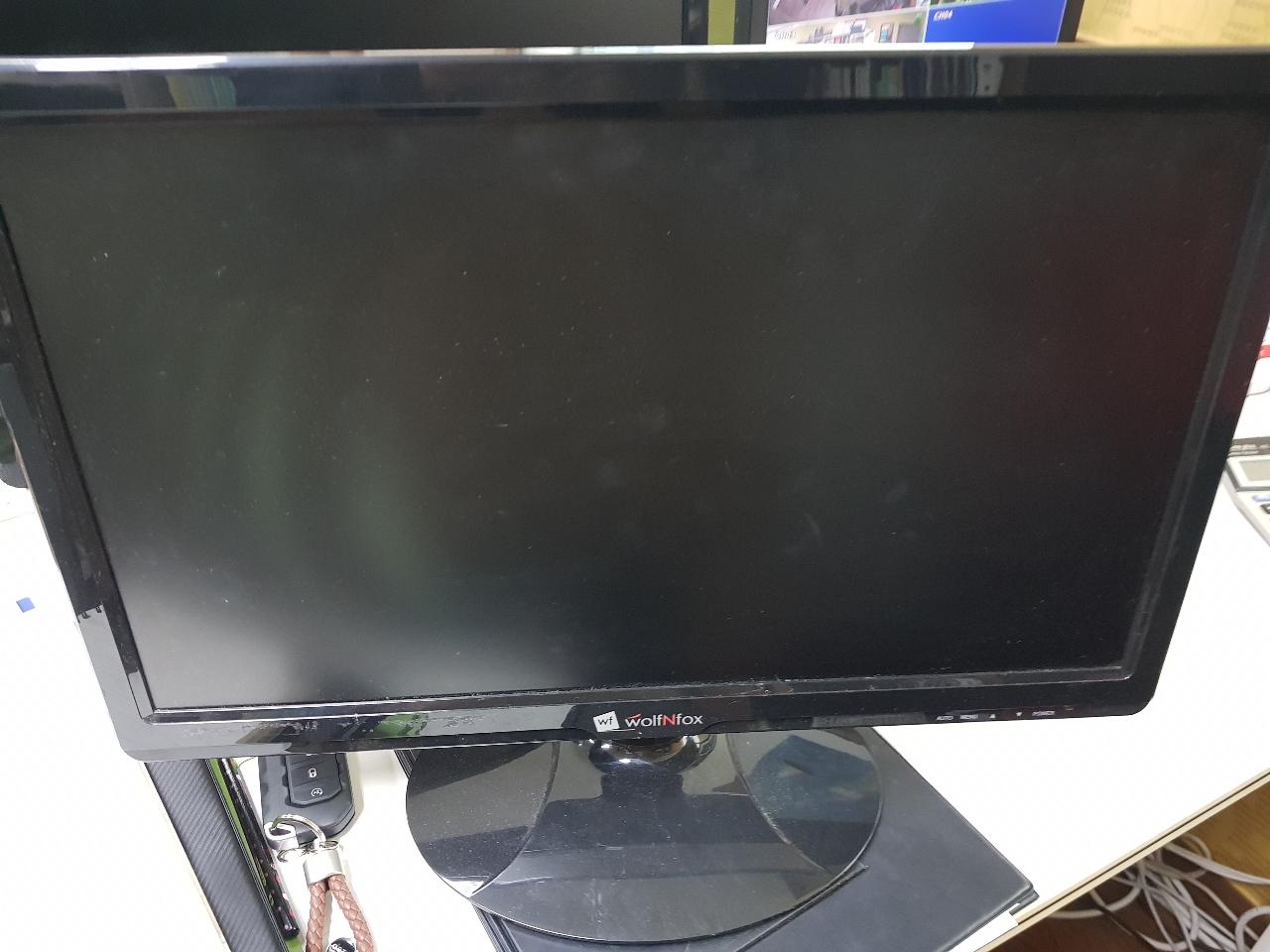 컴퓨터 모니터(늑대와컴퓨터)