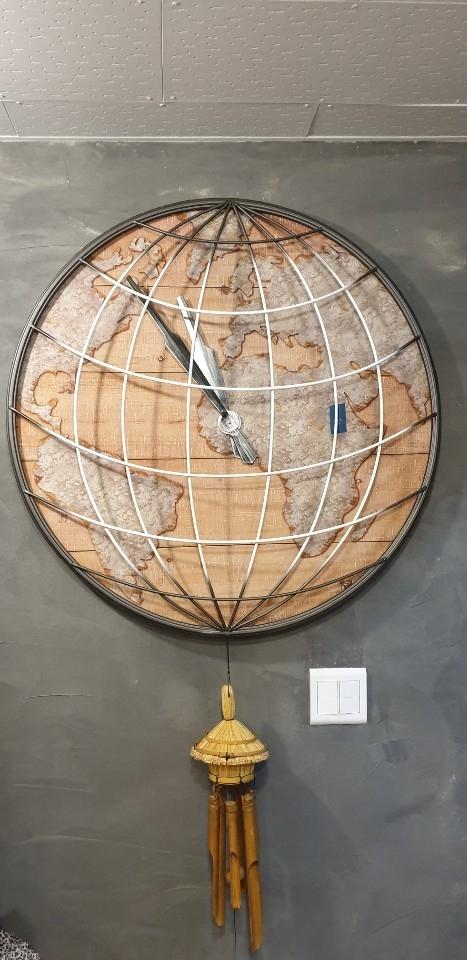 지구본시계
