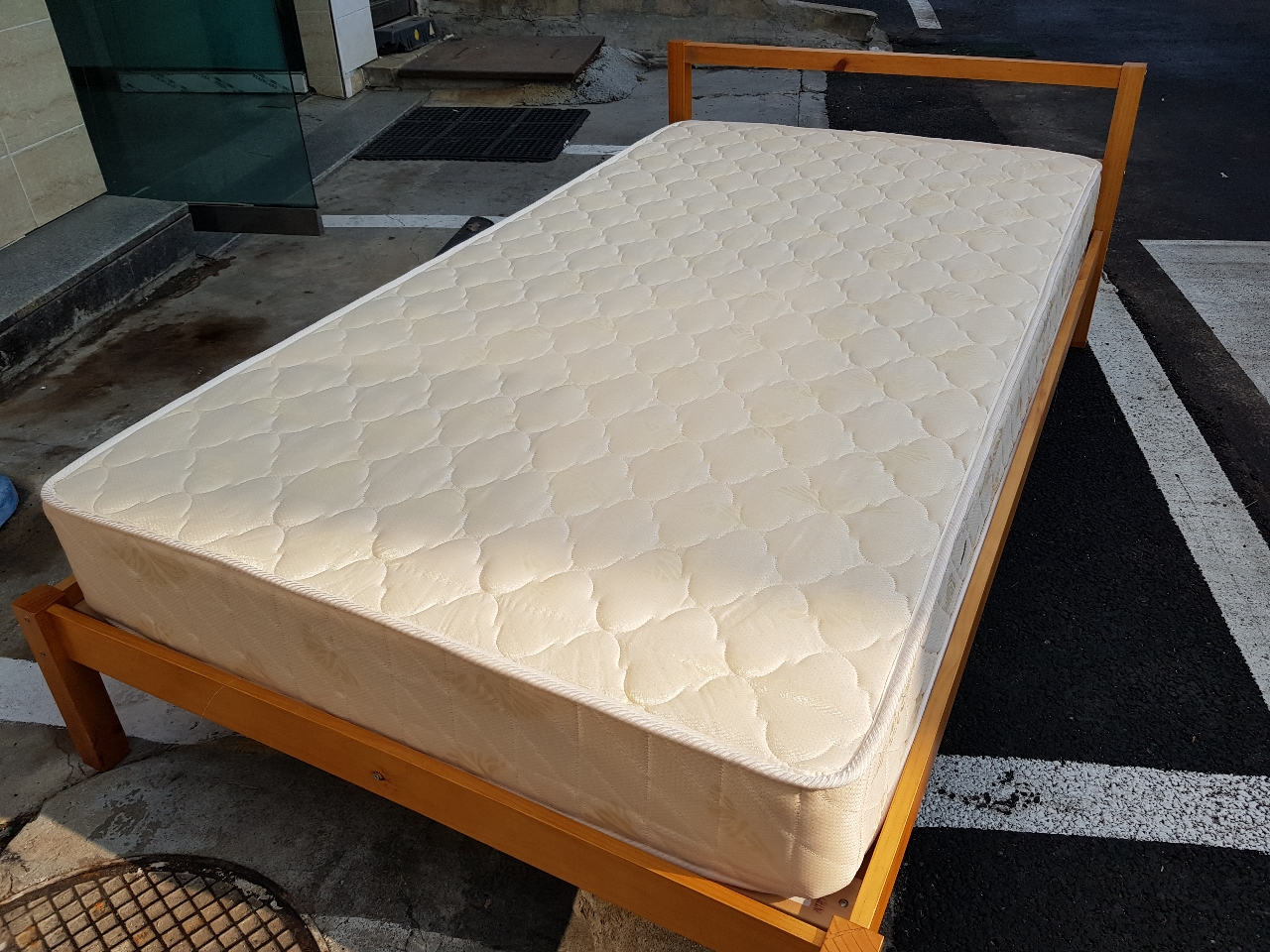 침대 (싱글침대)