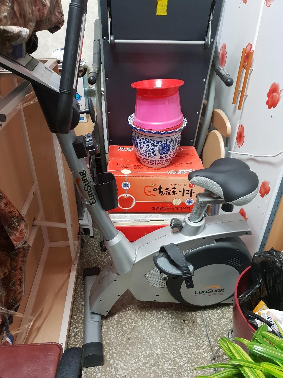 헬스자전거 실내자전거 sp7200  팝니다.