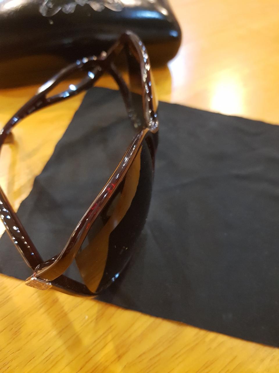 안나수이 썬글라스
