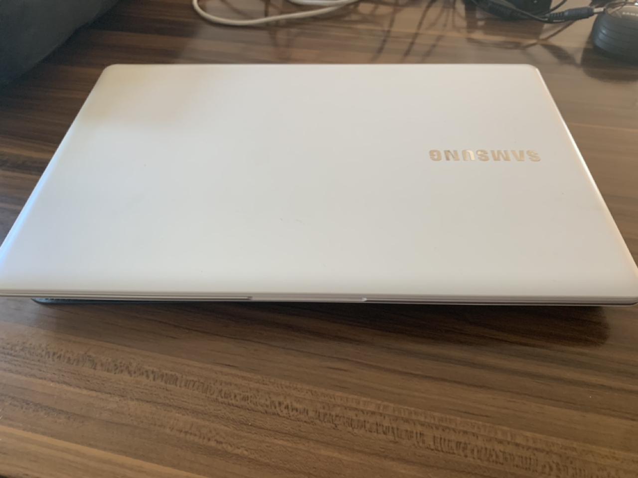 삼성 노트북 NT500R5H-K31L