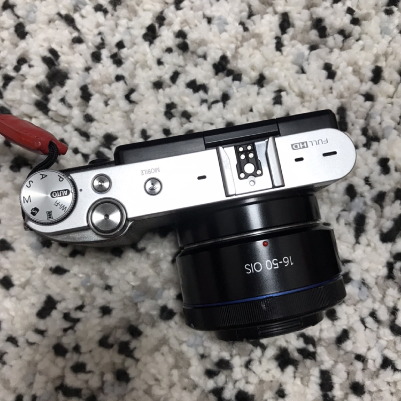 미러리스 카메라