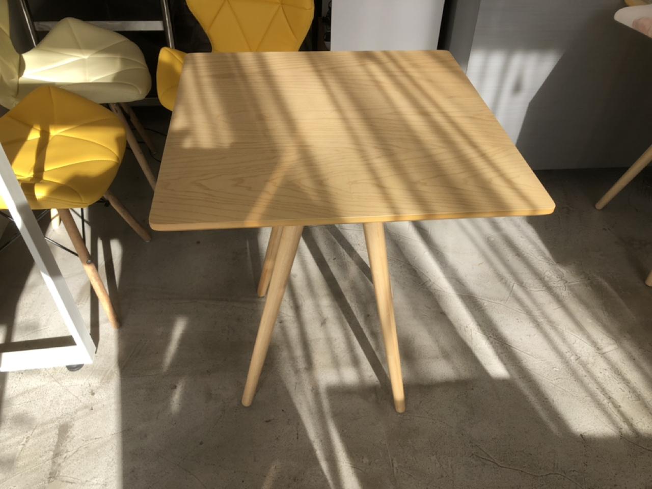 디센 의자, 테이블팝니다(의자 1.5 / 테이블 2)