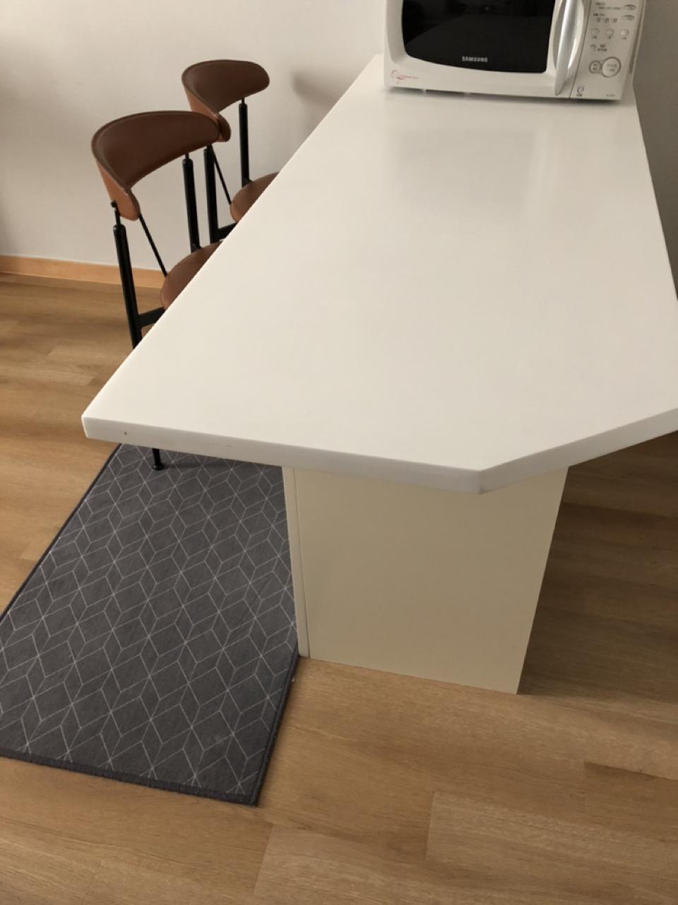 아일랜드식탁,탁자,의자2,보조의자1