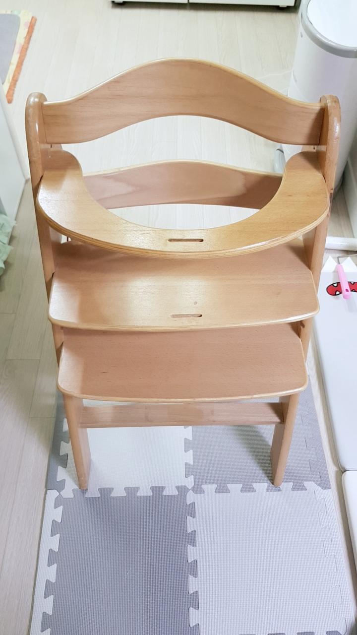 아기 식탁의자