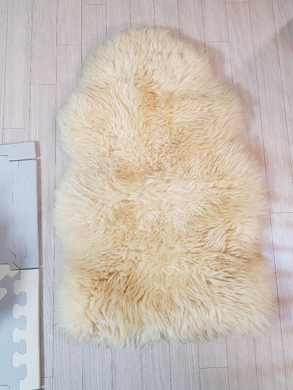 이케아 양털러그 80cm 택포4만원