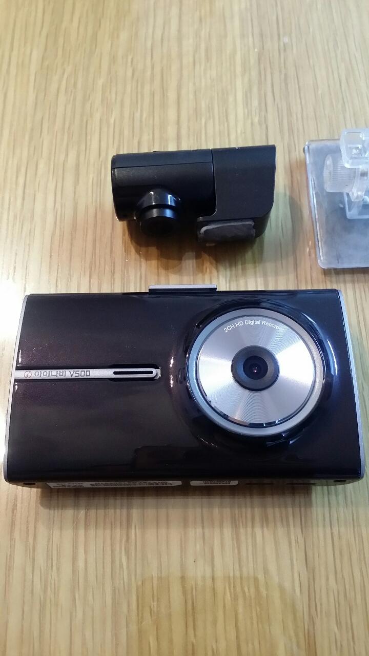 아이나비V500 2채널 HD블랙박스 팝니다.