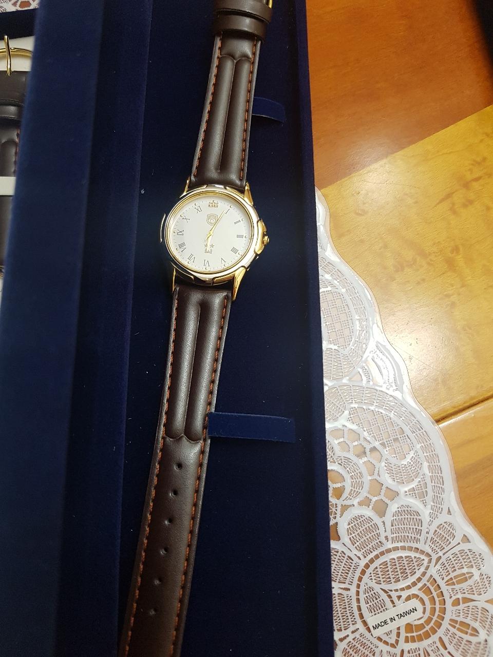 남성 손목시계