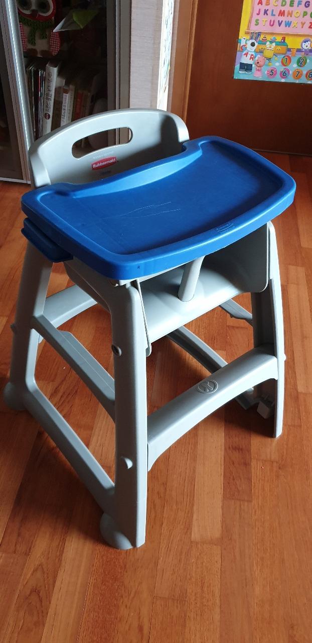 러버메이드 식탁의자(바퀴, 식탁포함)