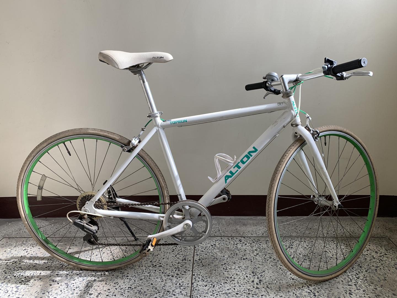 알톤 탑런 7단 하이브리드 자전거