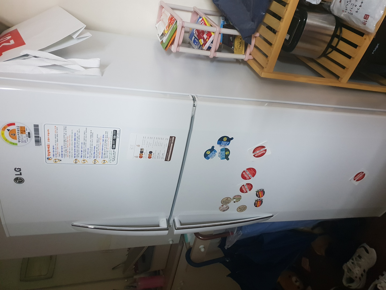LG냉장고 팝니다. 가격제안 받습니다.