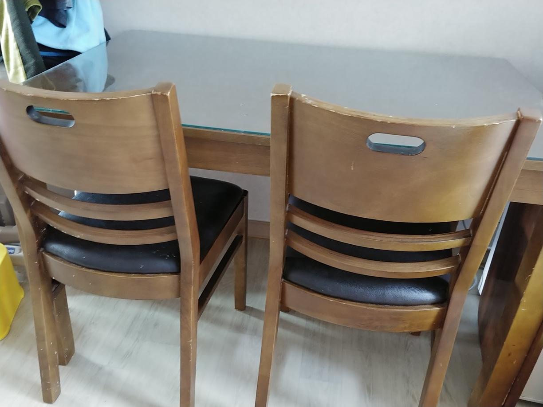 식탁 의자2개 드려요